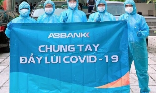 Geleximco và ABBANK tặng 500 máy thở hỗ trợ điều trị bệnh nhân Covid-19 cho TP.HCM