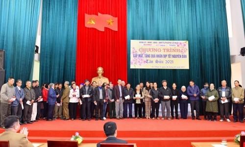Tập đoàn Geleximco trao tặng quà Tết cho các gia đình chính sách, người có công