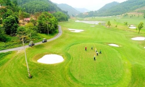Khai trương sân golf Geleximco Hilltop Valley Golf Club