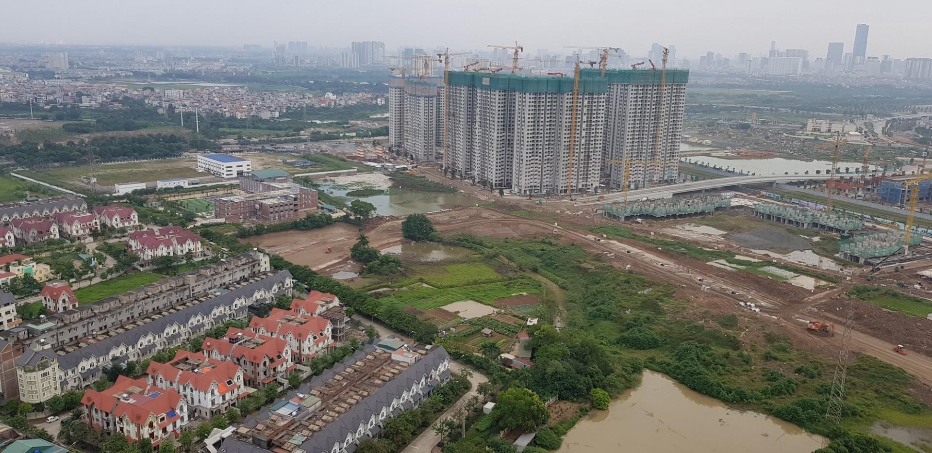 Những con đường nối từ Vinhomes Smart City sang khu A của Geleximco Lê Trọng Tấn đang được hình thành.