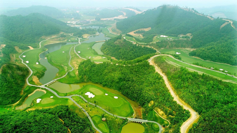 Geleximco Hilltop Valley Golf Club.