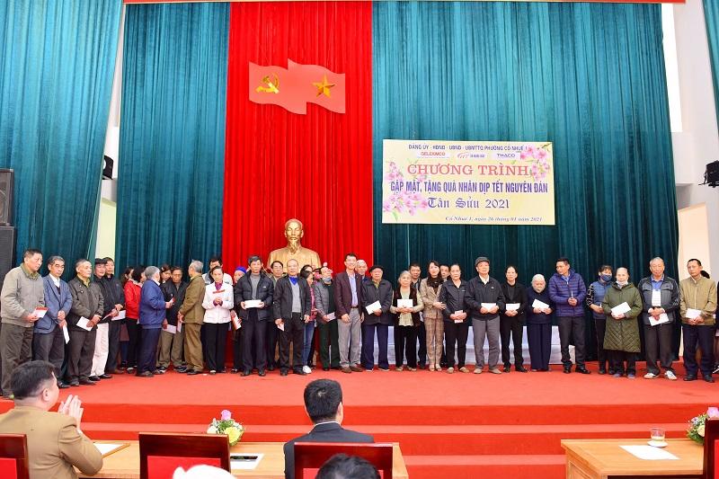 Geleximco trao tặng quà Tết cho các gia đình chính sách, người có công phường Cổ Nhuế 1