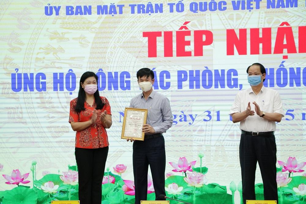 Tập đoàn Geleximco trao tặng số tiền 7 tỷ đồng cho Ủy ban MTTQ Việt Nam TP.Hà Nội.