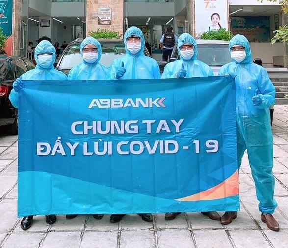 ABBANK ủng hộ cho công tác phòng chống dịch Covid-19.